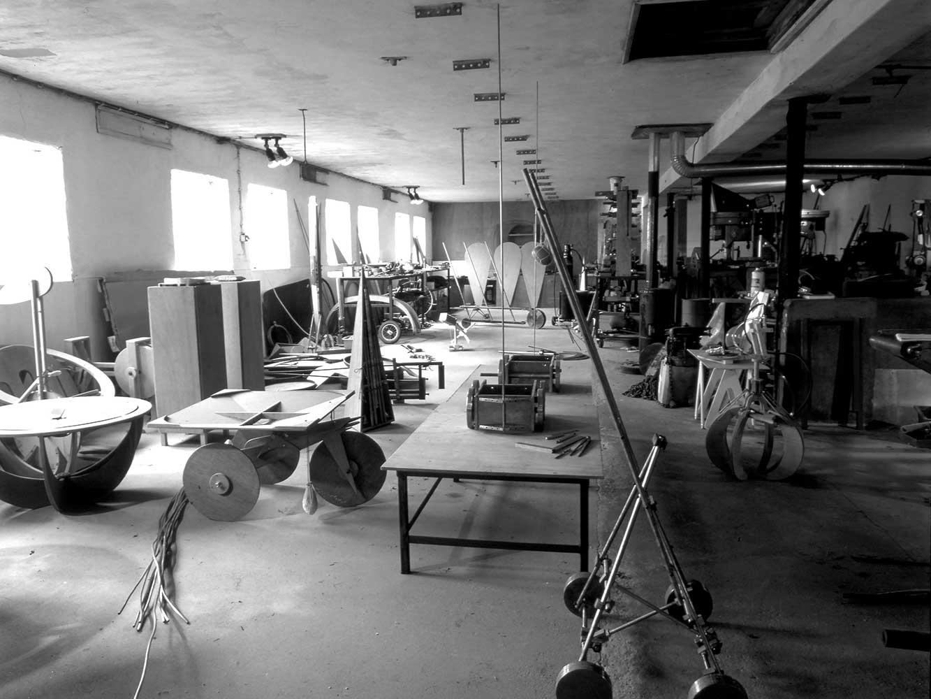 gerrit-van-bakel-Werkplaats-met-Eierwagentje1984